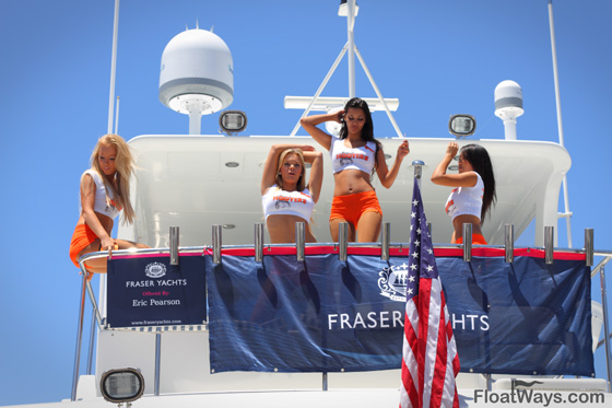 Hooters Girls at the Boat Show